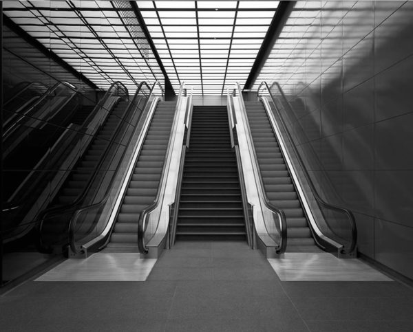 BRAIN 09 escalator